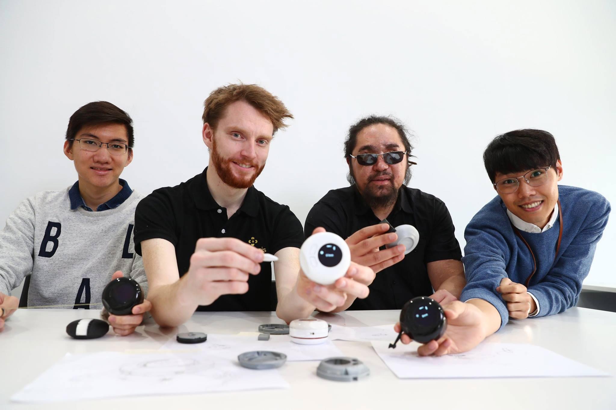 Macaron universally accessible measuring device