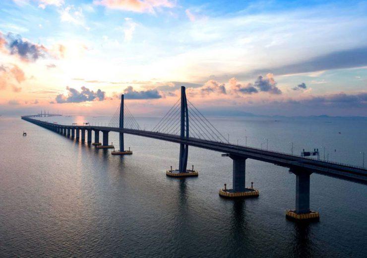 world's longest sea bridge in China opens