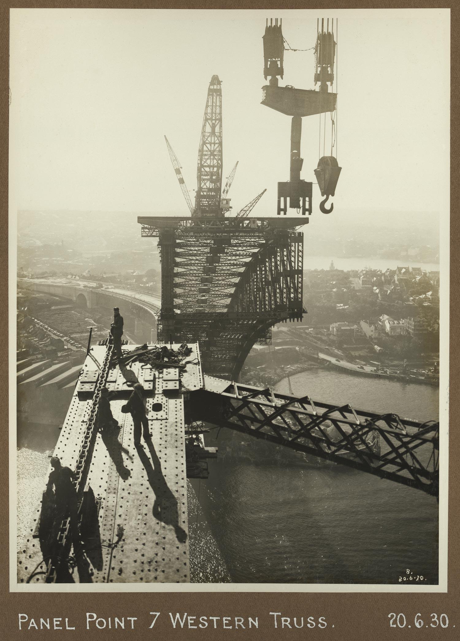 Sydney Harbour Bridge construction