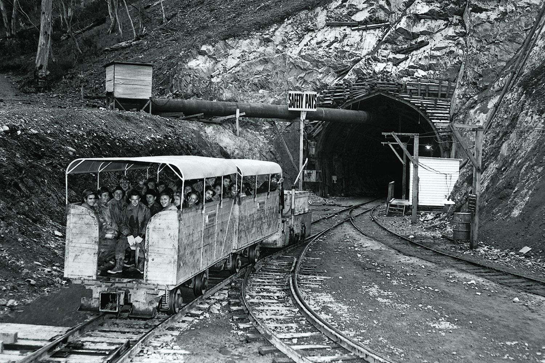Eucumbene Tunnel. (Image: National Archives of Australia/Fairfax Media)