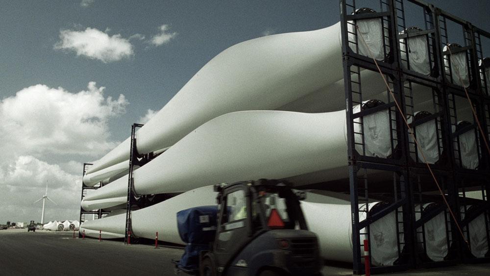 carbon fibre blades for wind turbines